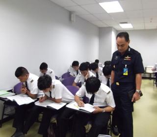 ทดสอบความถนัด นักศึกษาชั้นปีที่ ๑ หลักสูตรการบินพาณิชย์