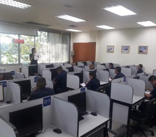 ทดสอบความถนัดและวิภาววิสัยผู้เข้ารับการศึกษาหลักสูตรการควบคุมการบินสกัดกั้น รุ่นที่ ๑๒