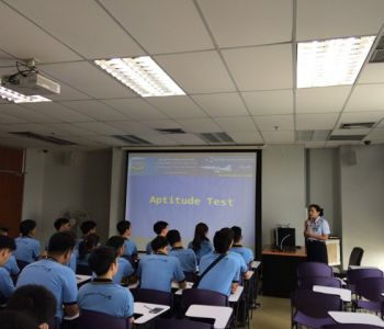 ทดสอบความถนัด นักศึกษาสถาบันการบิน มหาวิทยาลัยรังสิต